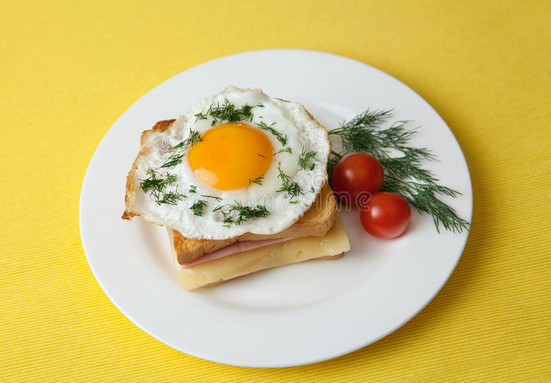 Croque Mevrouw sandwich stock afbeeldingen