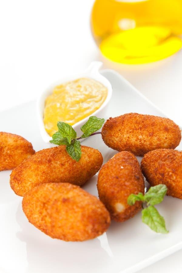 Croquettes de jambon et de fromage image stock