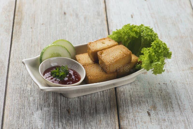 Croquettes de poisson cuites à la friteuse photographie stock libre de droits
