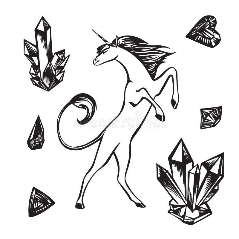 Croquis tiré par la main d'ensemble de licorne, de cristal et de gemmes Dessin ? l'encre noire magique de vecteur d'isolement sur illustration libre de droits