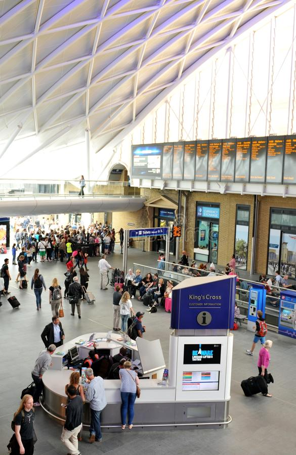 Cross London-Königs Bahnstation lizenzfreies stockbild