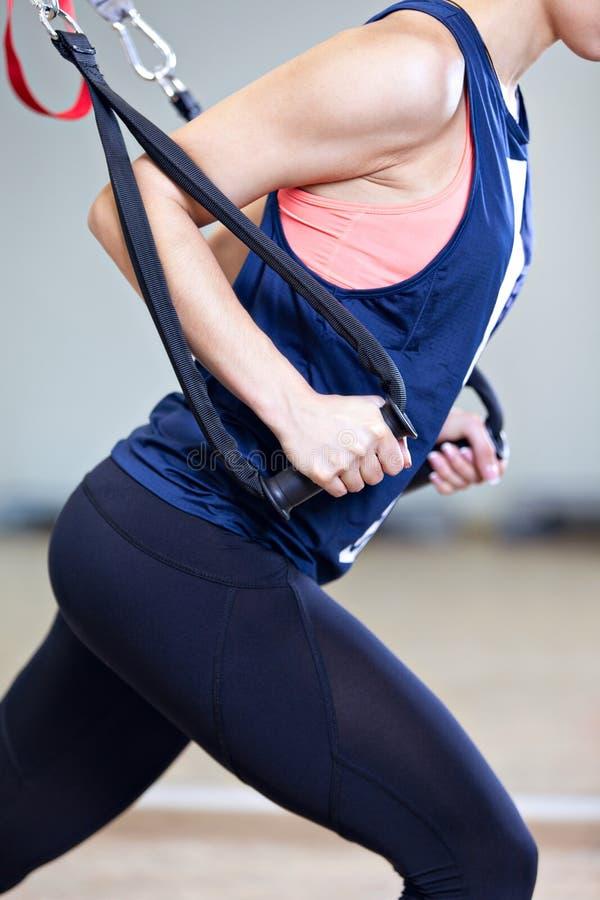 Crossfit健身TRX训练 免版税库存图片