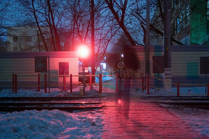 crossingjärnvägsilhouette royaltyfria foton