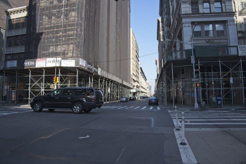 Crosstown взгляд на Пятом авеню в Нью-Йорке стоковое изображение rf