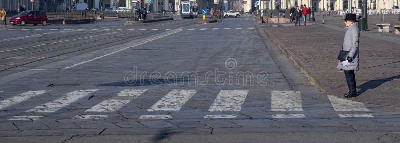 Crosswalk в городке Турина стоковые фотографии rf