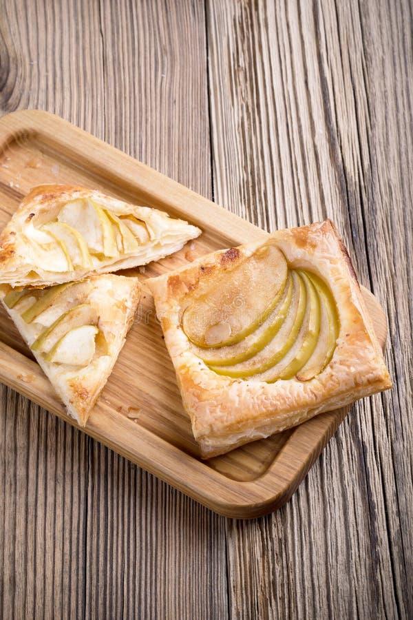 Crostata di mele casalinga affettata fotografia stock libera da diritti