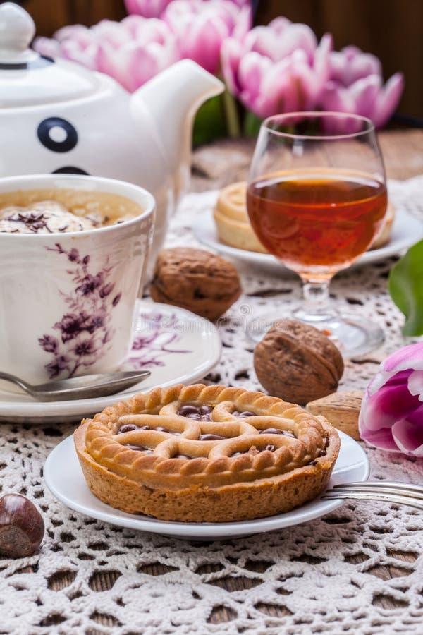 Crostata saporita della noce del cioccolato fotografia stock