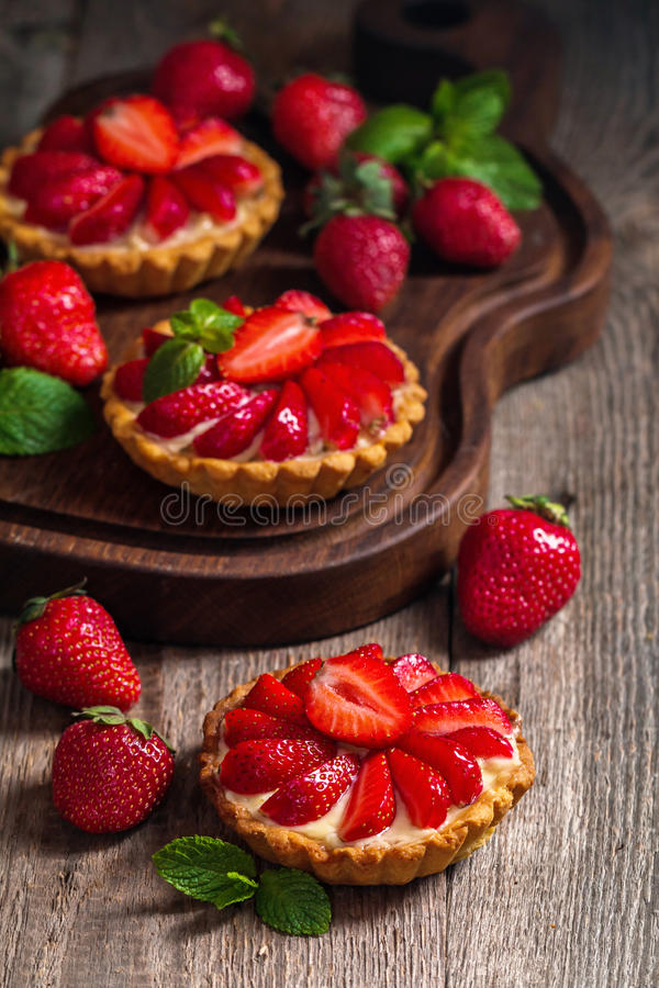 Crostate casalinghe fresche del berrie immagini stock