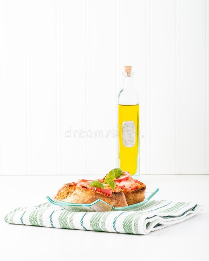 Crostini和橄榄油 库存照片
