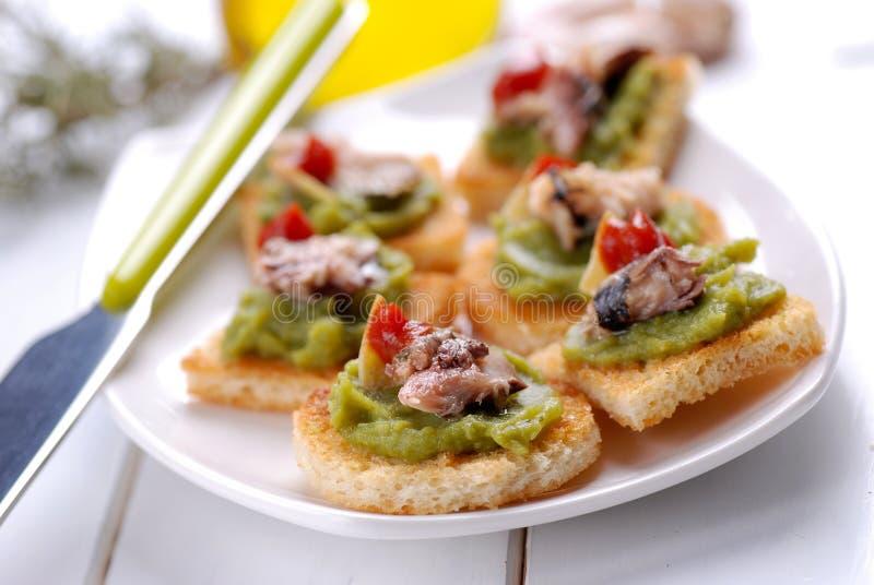 Crostini avec l'anchois images libres de droits