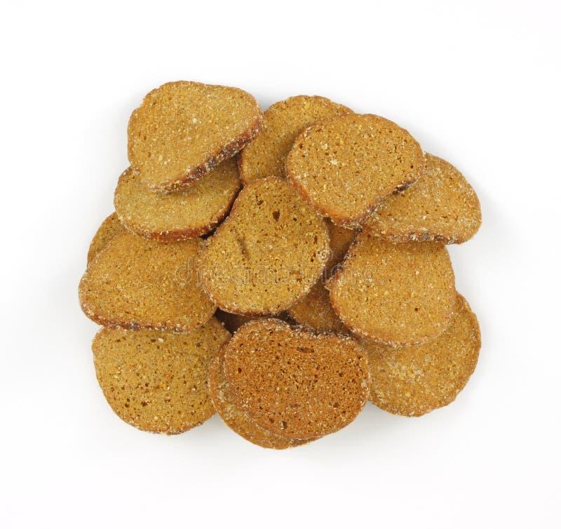 Croutons des dunklen Brotes stockfotografie