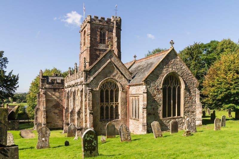 Crowcombe教会,萨默塞特倾斜看法,在秋天阳光下 免版税库存图片