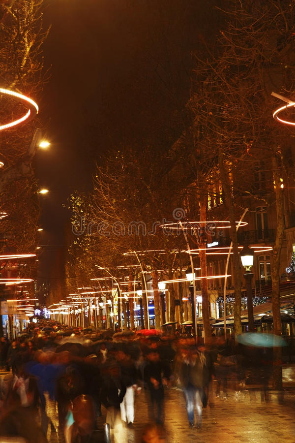 Download Crowd on Champs Elysees editorial photography. Image of travel - 28434912