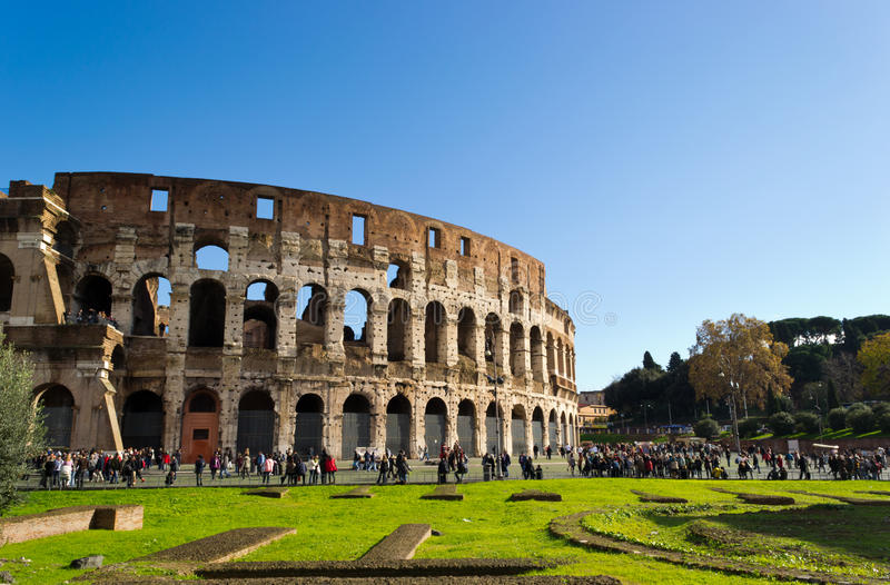 Download Crowd At Colosseum Editorial Image - Image: 20595150