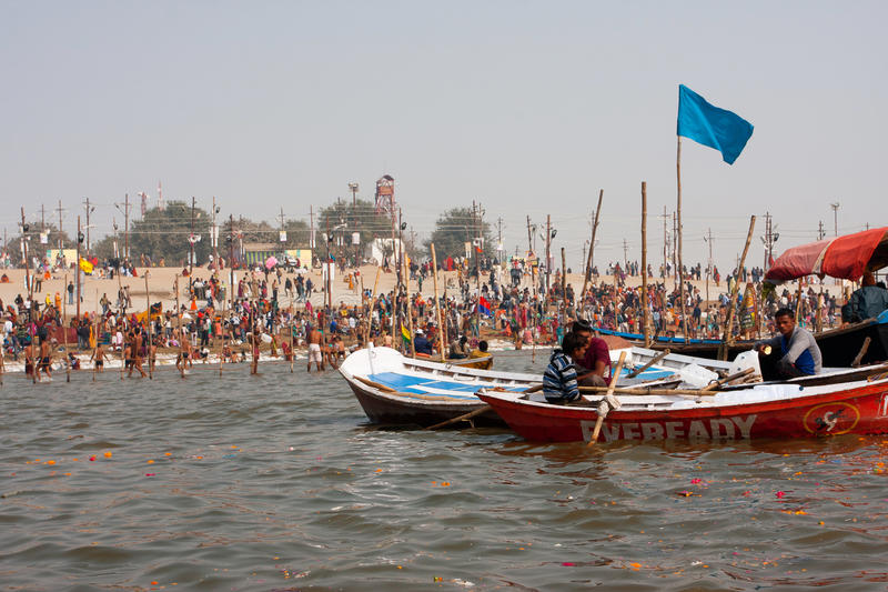 Crowd of pilgrims at the the Ganges royalty free stock image