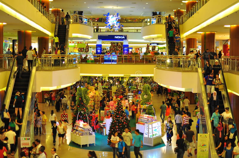 Crowd in shopping centre