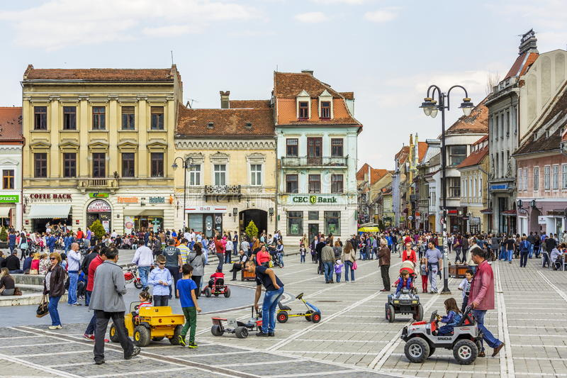 Download Crowded Council Square, Brasov, Romania Editorial Image - Image: 39676440