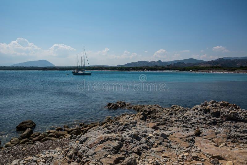 Crowdless plaża w Sardinia, Włochy obrazy royalty free