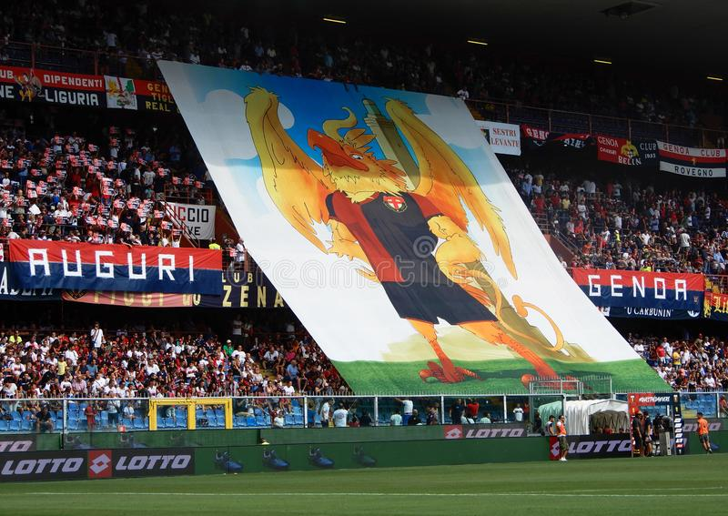 Crowdy ställningar under en fotbollsmatch av Genoa Cricket och fotboll klubbar 1893, i Luigi Ferraris Stadium av Genua, Genova It royaltyfria foton