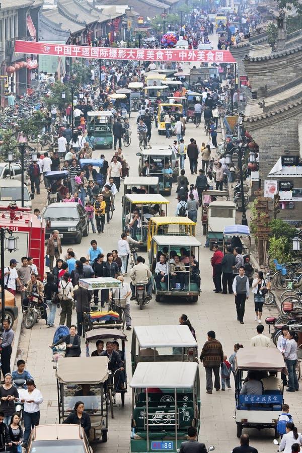 Crowdystraat tijdens Internationaal de Fotografiefestival van Pingyao, China royalty-vrije stock afbeelding
