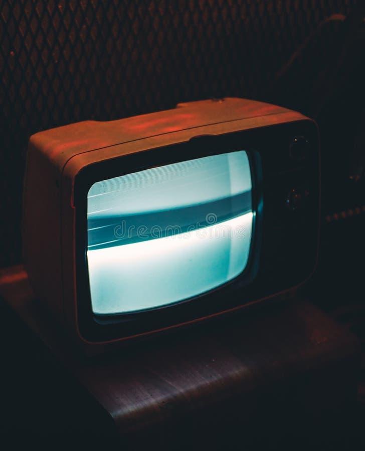 Черное ТВ Crt показывая серый экран стоковая фотография