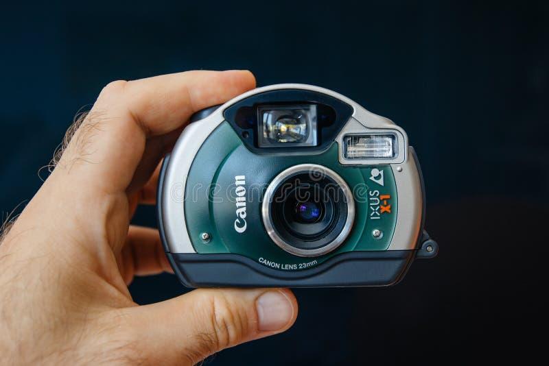 Cru Canon imperméable Ixus X-1 photographie stock libre de droits