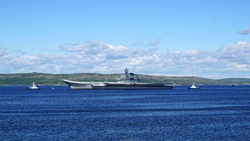 Crucero 'almirante Kuznetsov 'de portaaviones imagen de archivo
