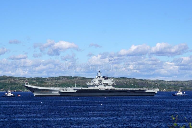 Crucero 'almirante Kuznetsov 'de portaaviones foto de archivo libre de regalías