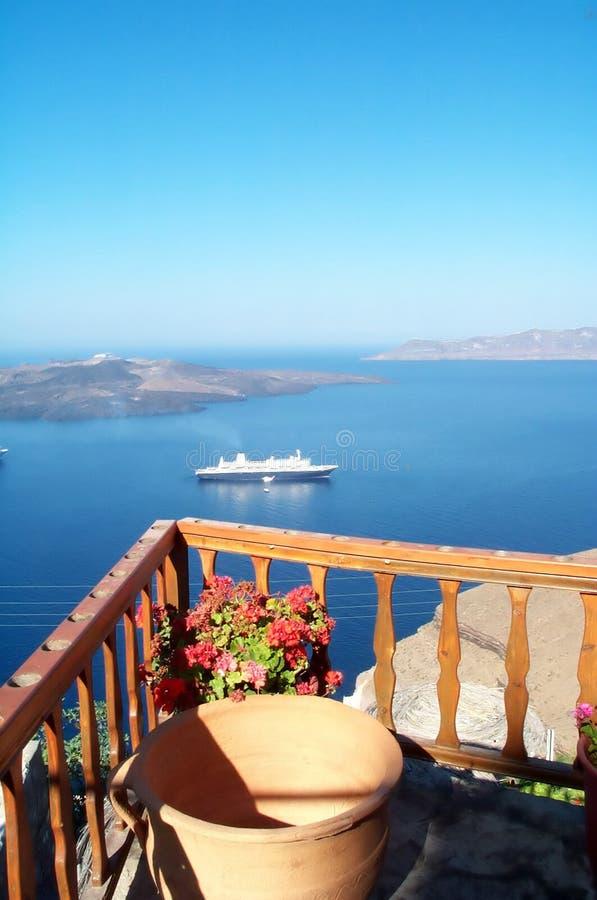 Crucero y paisaje marino