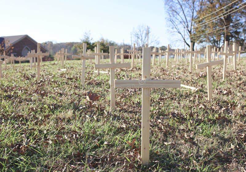 Cruces de las víctimas del homicidio fotografía de archivo