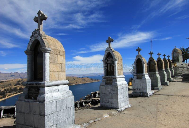 Cruces en la montaña de Copacabana, Bolivia imágenes de archivo libres de regalías