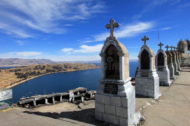 Cruces en la montaña de Copacabana, Bolivia imagen de archivo