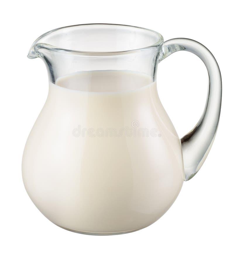 Cruche en verre de lait frais d'isolement sur le blanc Avec le chemin de coupure photo libre de droits