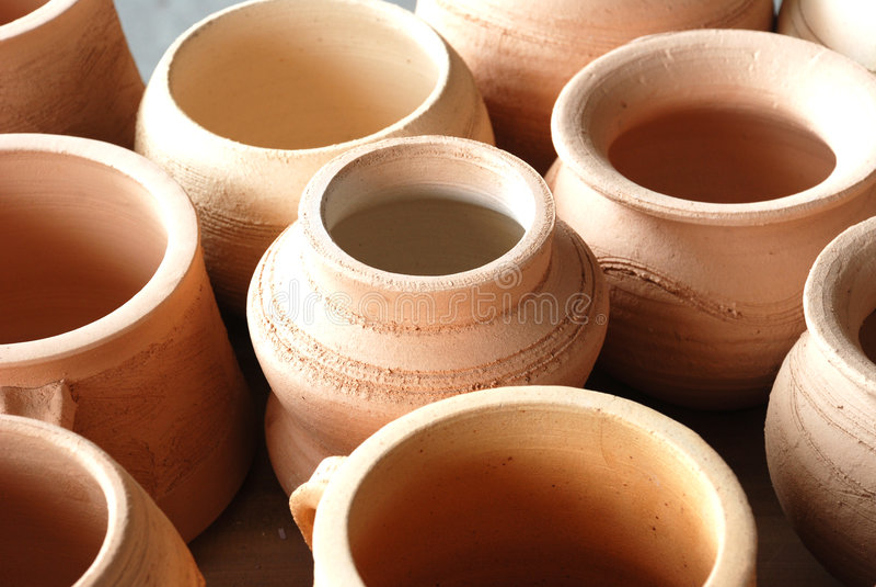 Cruches de bouilloire de choc de bac de poterie image libre de droits