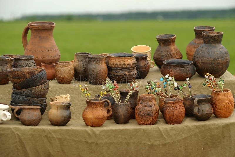 Cruches en céramique images libres de droits