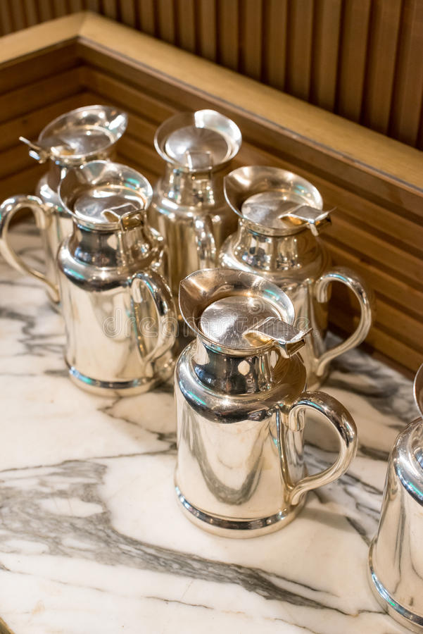 Cruches inoxydables de thé et de café photos stock