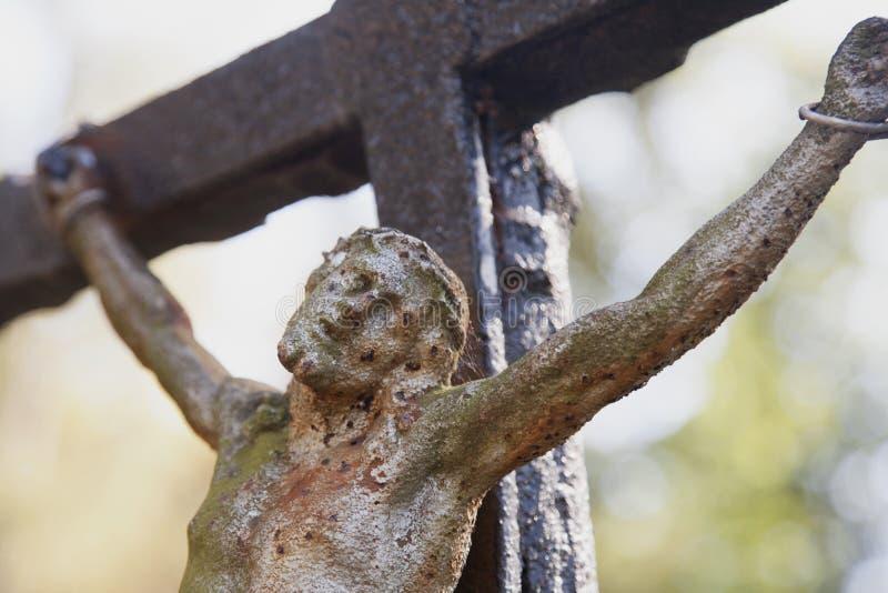 A crucificação do fim de Jesus Christ acima foto de stock royalty free