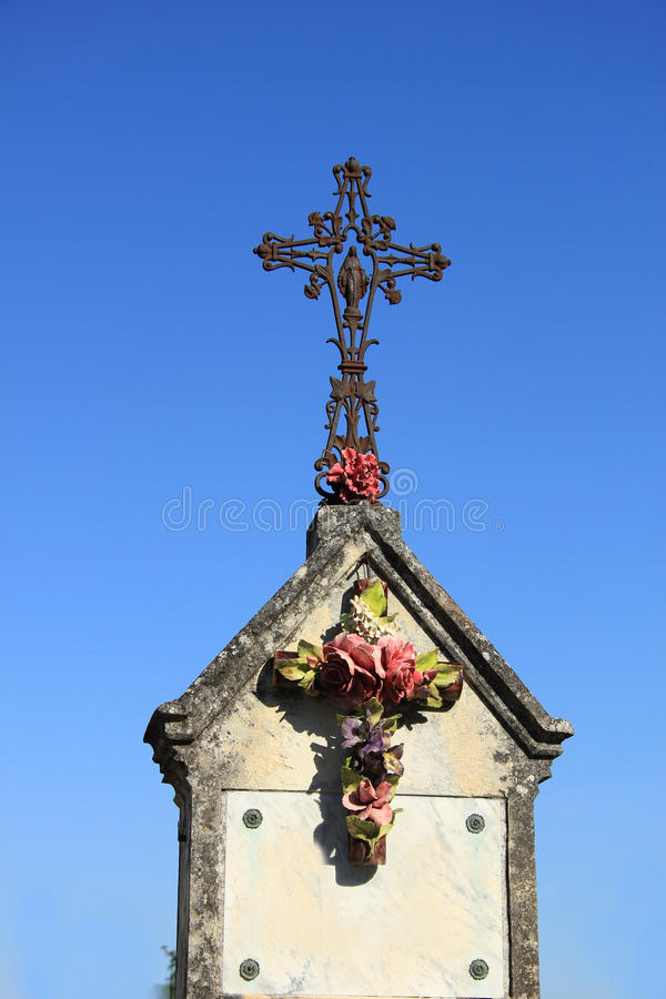 Download Crucifix With Ceramic Flowers Stock Image - Image: 33242189