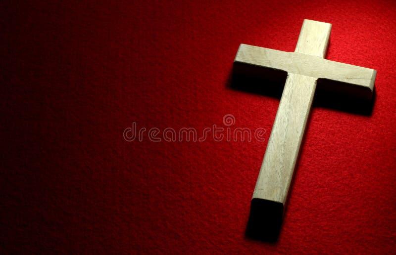 Crucifix sur le rouge photos libres de droits