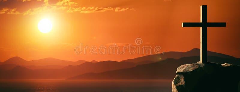 Crucifixión de Jesus Christ, cruz de madera, cielo en el fondo de la puesta del sol ilustración 3D ilustración del vector