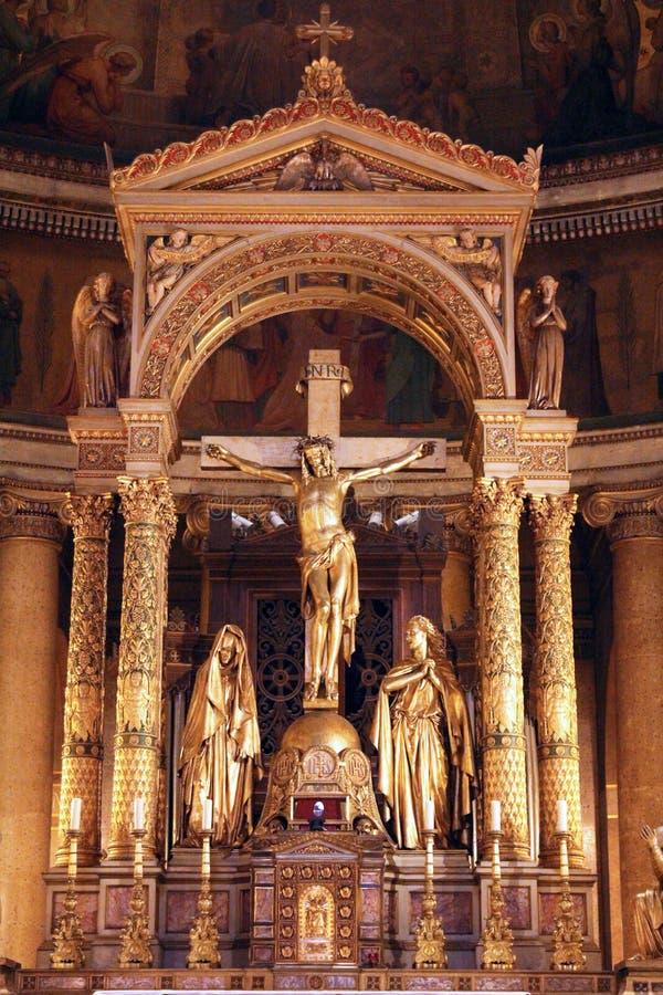 crucifixion L'altare nella chiesa della st Vincent de Paul, Parigi immagini stock libere da diritti