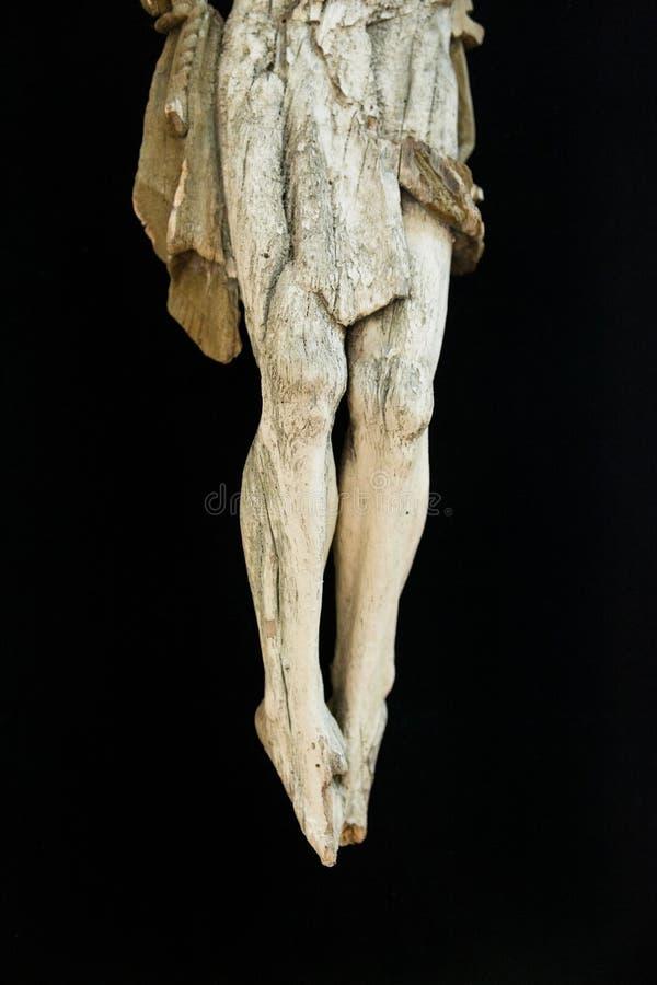 Crucifixo de madeira tradicional velho foto de stock