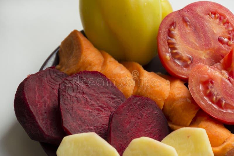Crude, fresco, tagliato, verdure, peperoni gialli, carote arancio, immagini stock libere da diritti