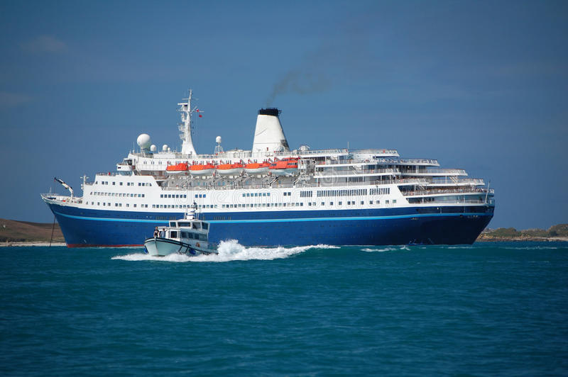 Download Cruise Liner Stock Image - Image: 19314411