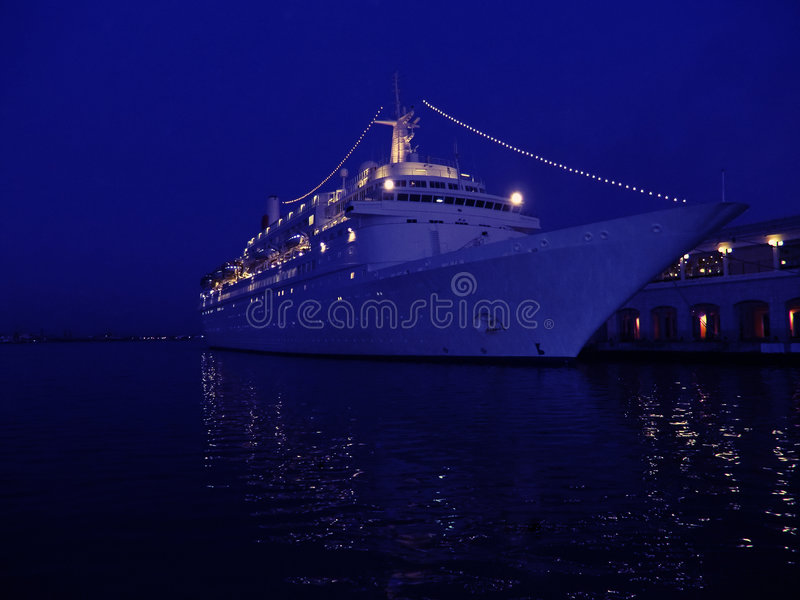 cruise liner στοκ φωτογραφίες με δικαίωμα ελεύθερης χρήσης