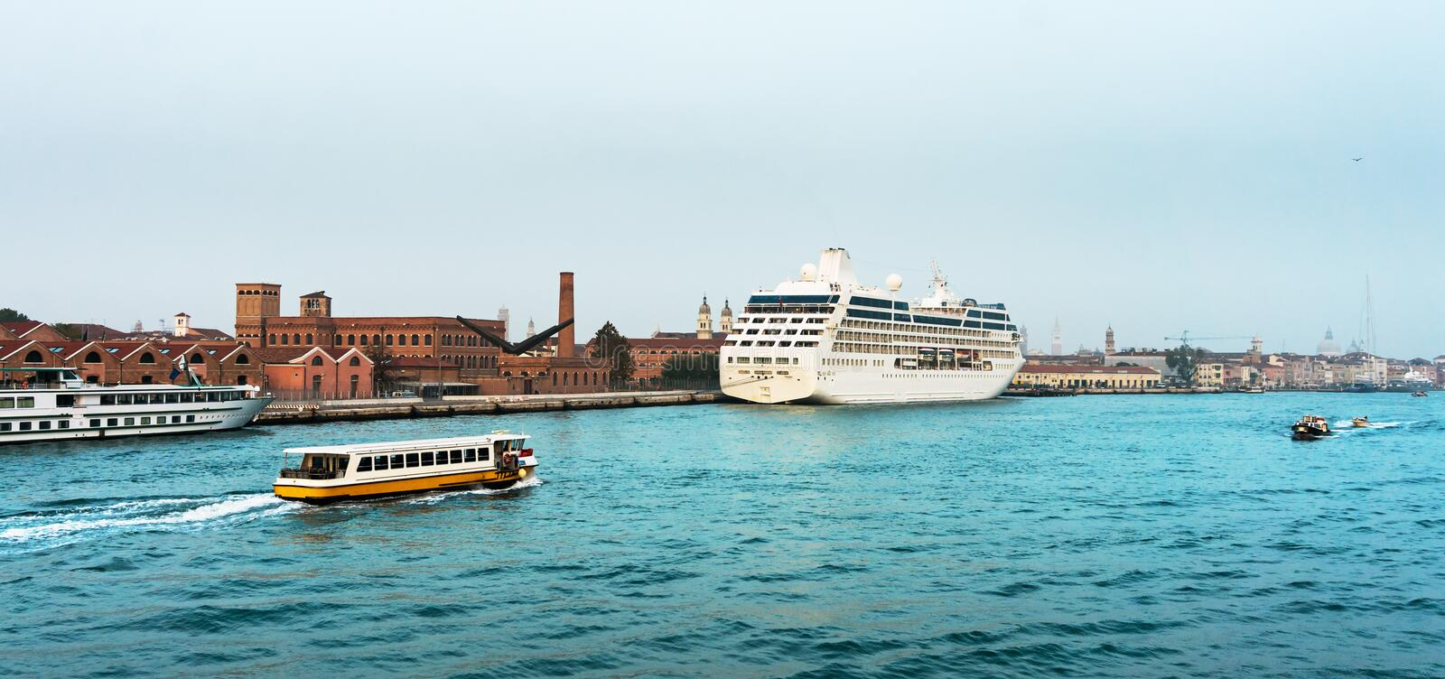 Download Cruise Liner Docked In The Old Town Of Venice Stock Photo - Image: 48525707