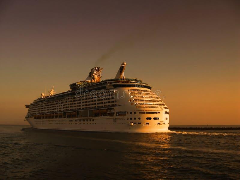 Cruise op overzees stock fotografie