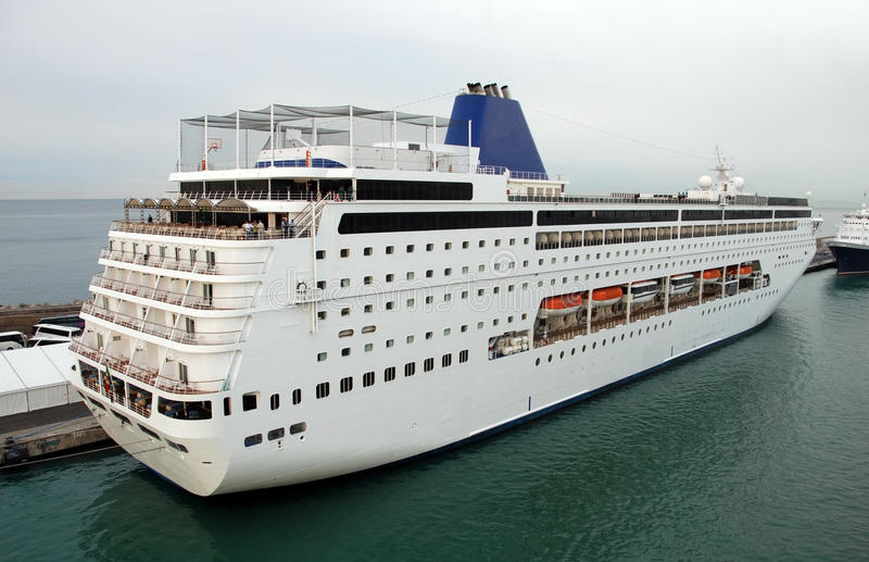 Download Cruise ship departing stock image. Image of vessel, departure - 14860375