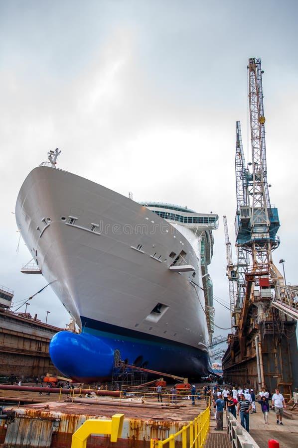 Free Cruise Ship Drydock Stock Photo - 43925090