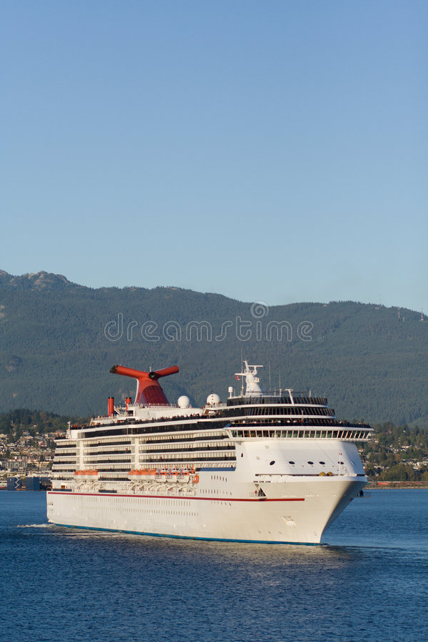 Cruise ship leaving Vancouver Harbour #2 royalty free stock images